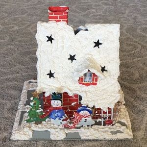 Hallmark Holiday tea light snowman family house
